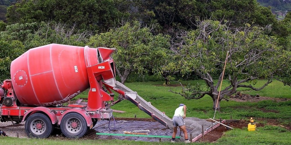 can you pour concrete directly on dirt