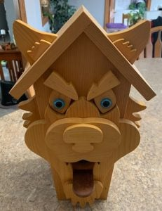 front view of wolf birdhouse plans